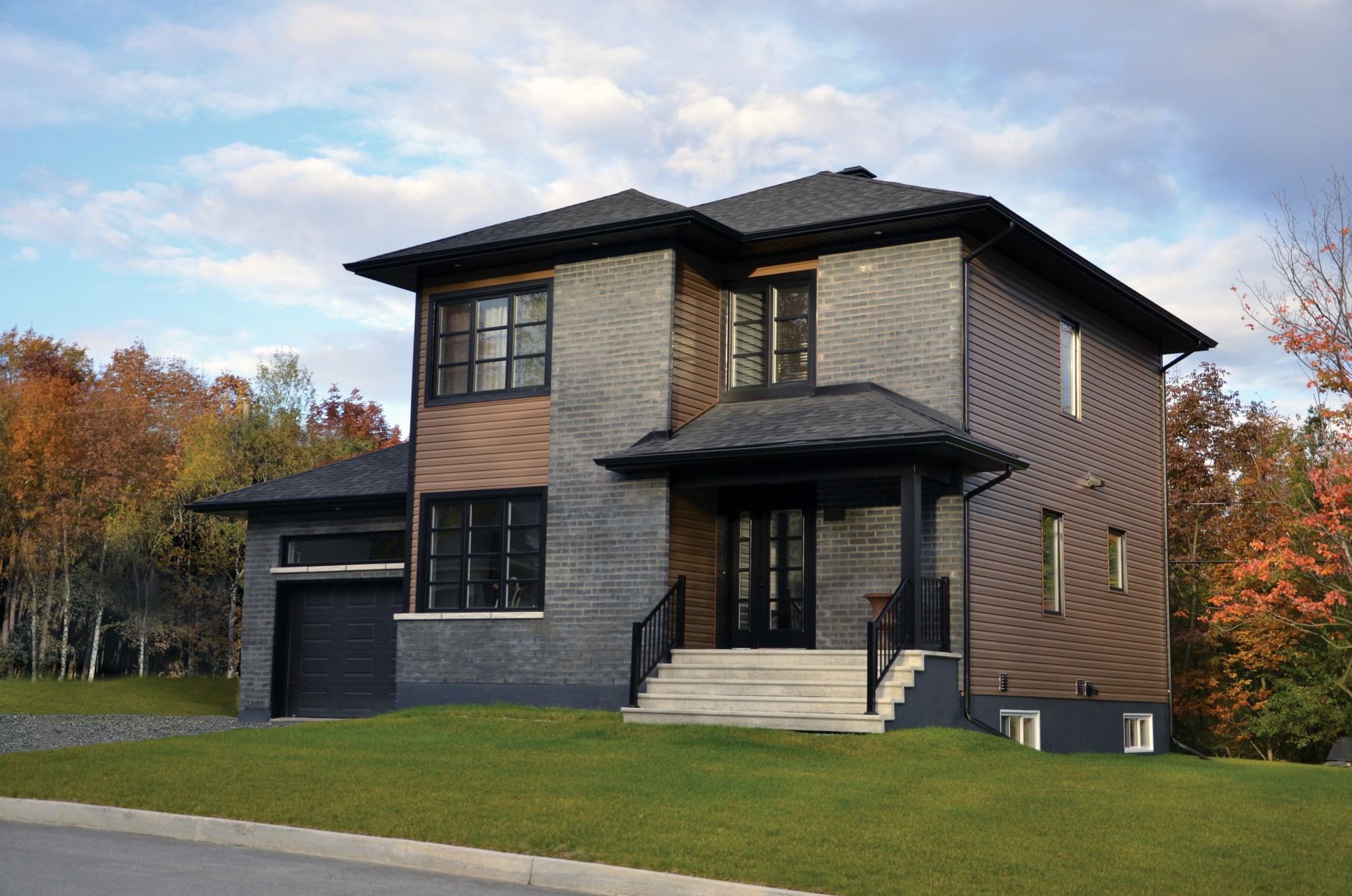 Maison neuve et maison vendre sherbroke t rater for Garage ouvert autour de moi